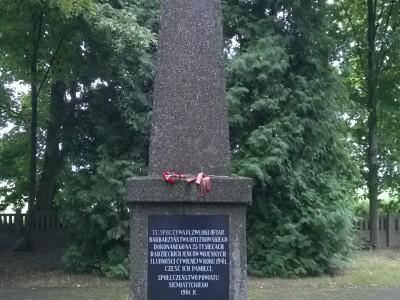 Wizyta na cmentarzu w Tonkielach